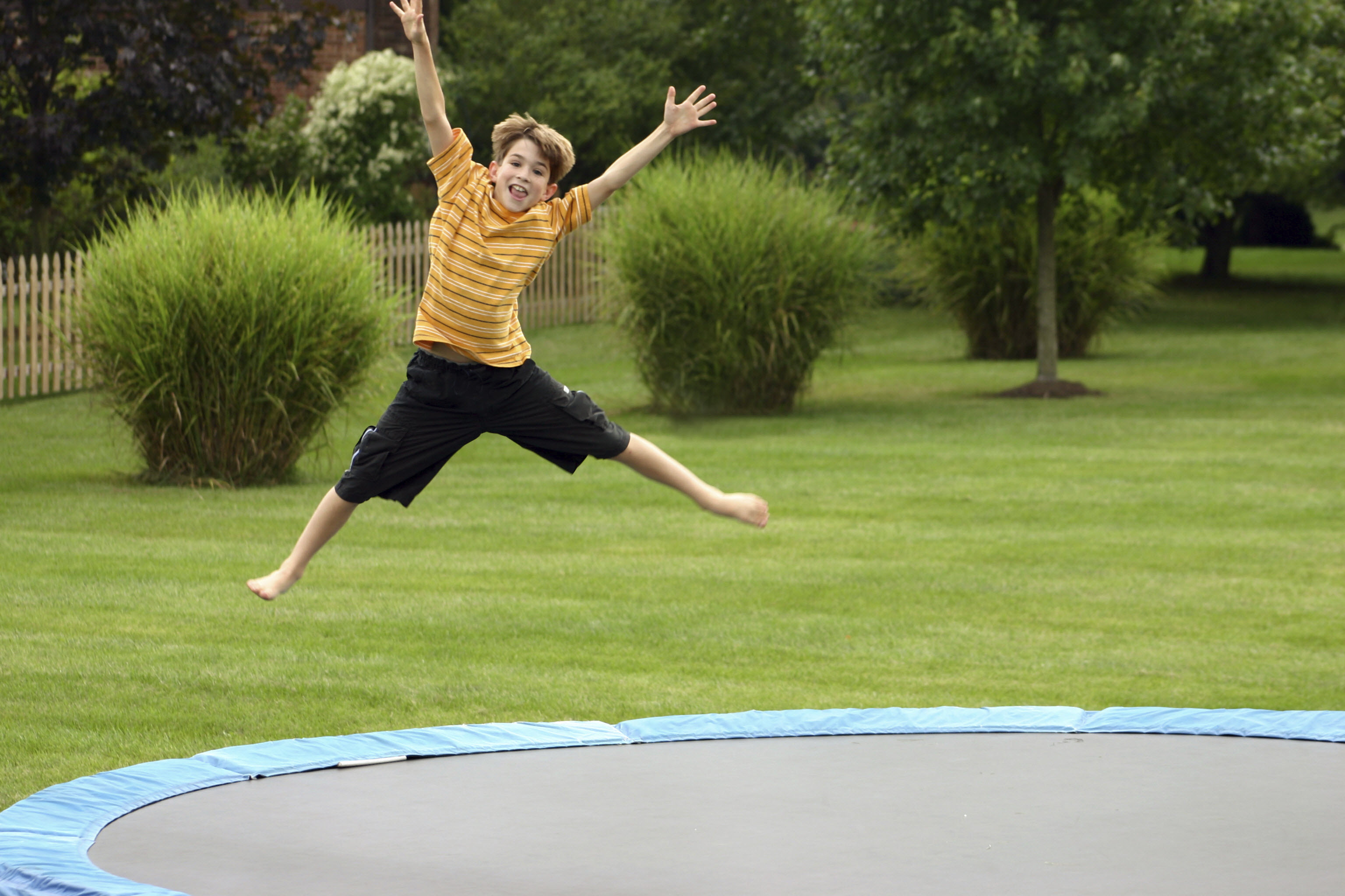 Trampoline-for-home-and-playground