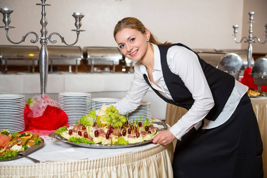 How to Choose the Right Caterer for an Event