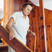 5-Ways-to-Prevent-Falls-in-Seniors-with-Dementia